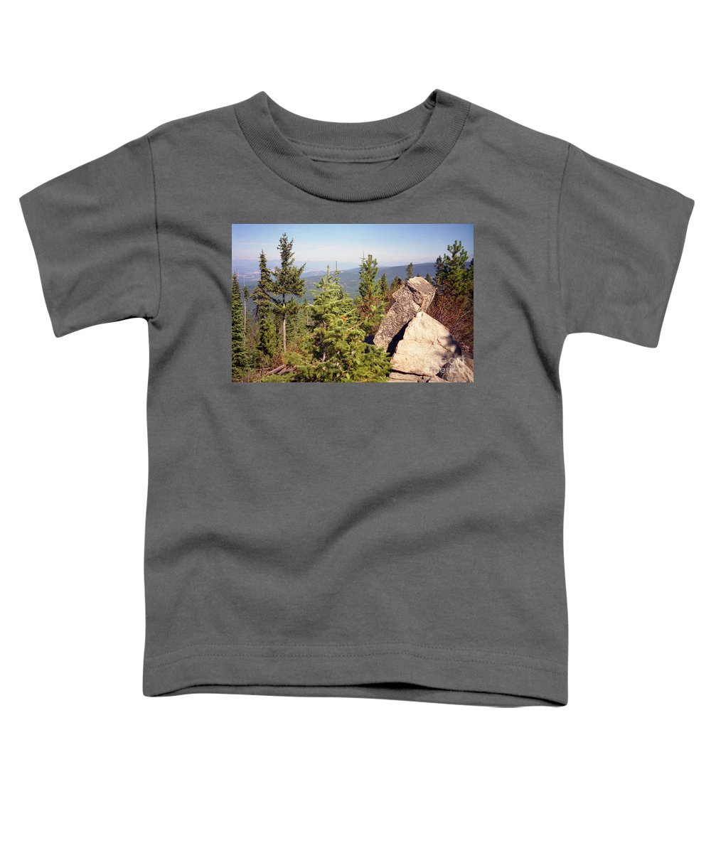 Landscapes Toddler T-Shirt featuring the photograph The Star Gazer by Richard Rizzo