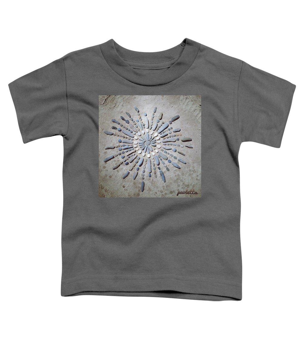 Beach Toddler T-Shirt featuring the sculpture Beach Mandala by Paola Baroni