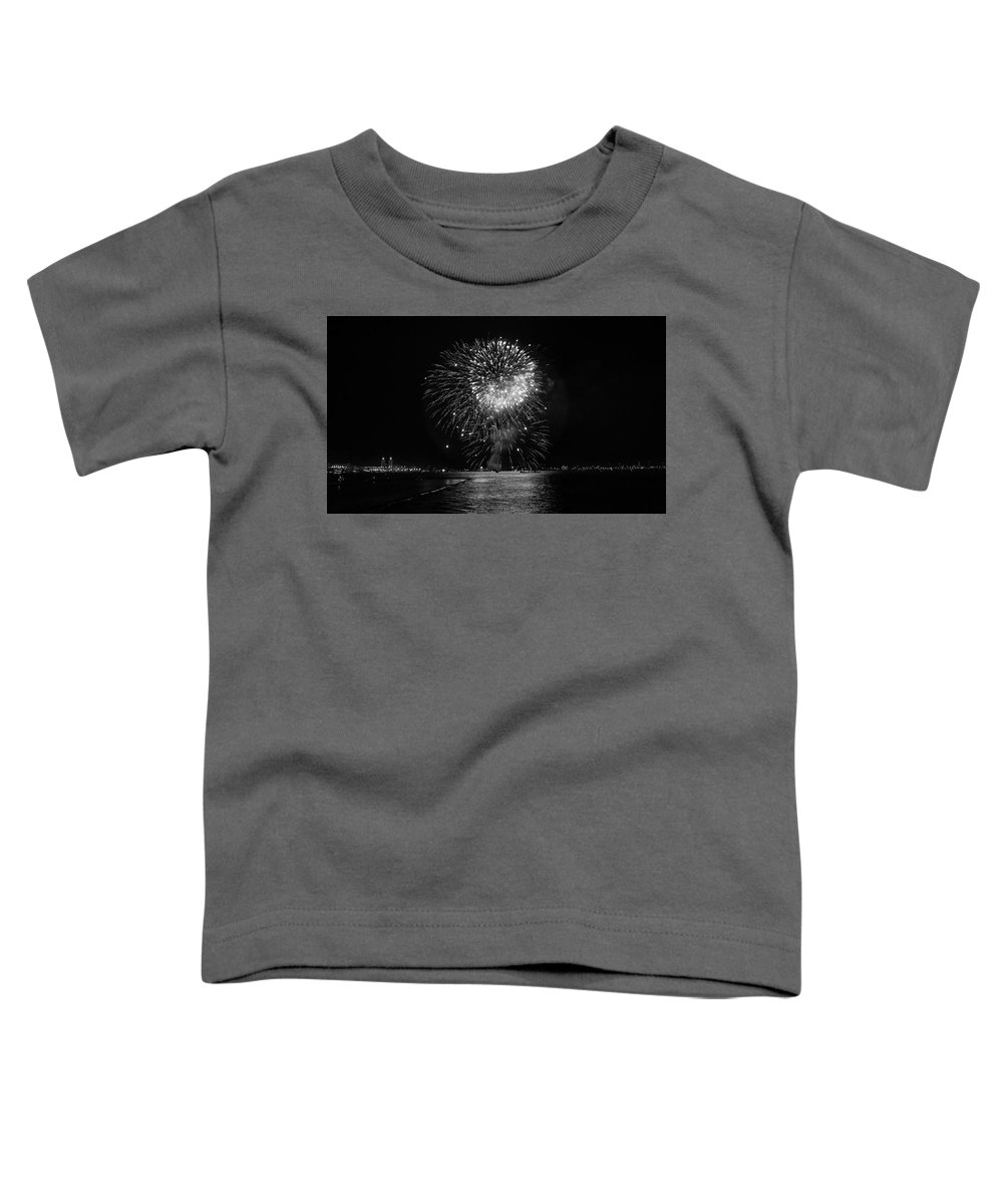 Fireworks Toddler T-Shirt featuring the photograph Chicago Fireworks by Betsy Knapp