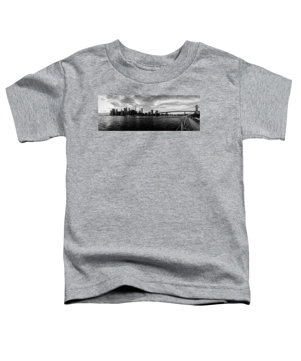 New York Toddler T-Shirt featuring the photograph New York Skyline by Nicklas Gustafsson
