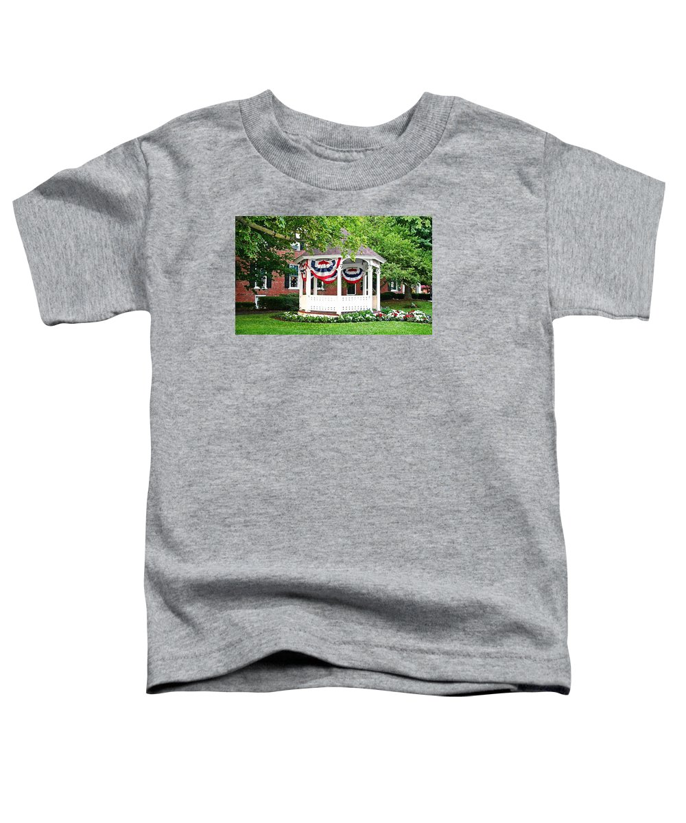 Gazebo Toddler T-Shirt featuring the photograph American Gazebo by Margie Wildblood