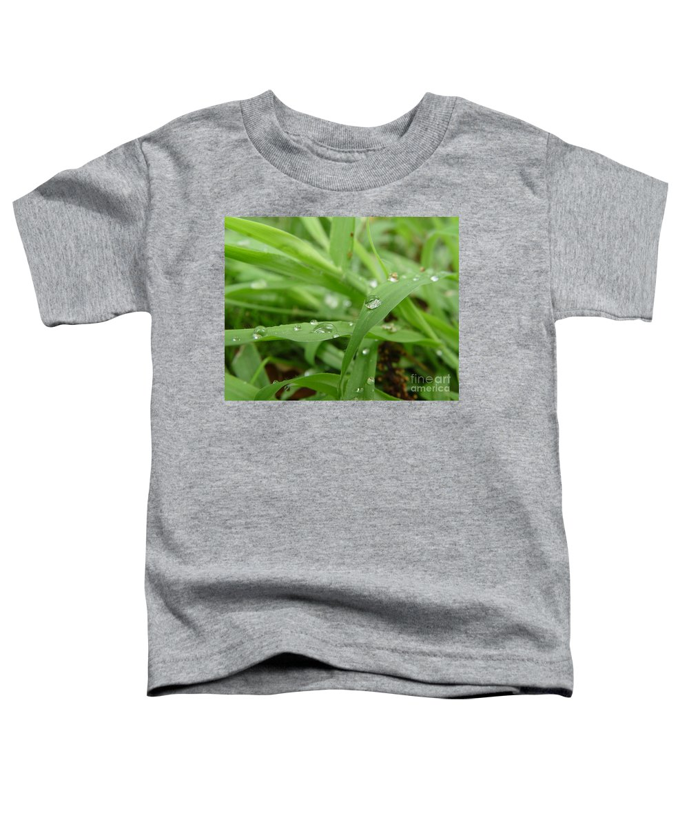 Water Droplet Toddler T-Shirt featuring the photograph Droplets 02 by Peter Piatt