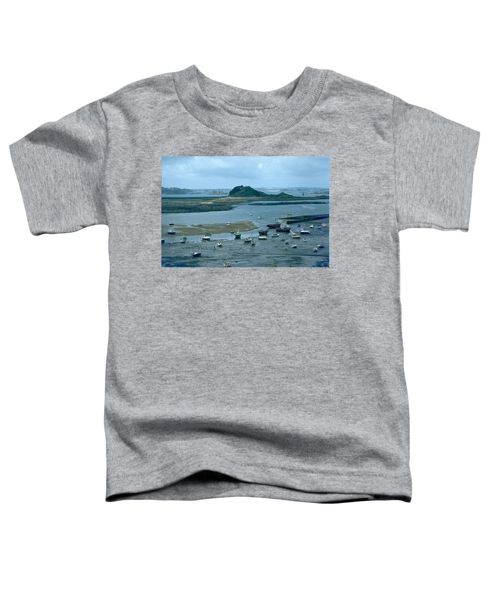 Low Tide Toddler T-Shirt featuring the photograph Low Tide by Flavia Westerwelle