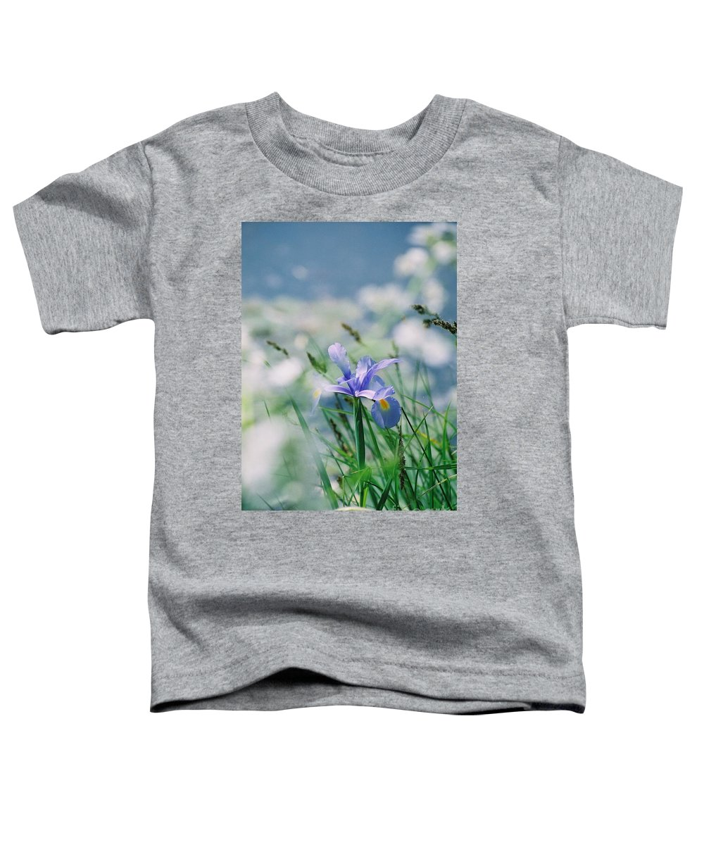 Periwinkle Toddler T-Shirt featuring the photograph Periwinkle Iris by Nadine Rippelmeyer
