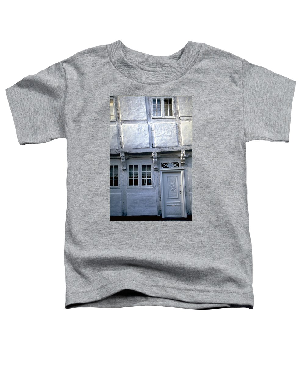 White House Toddler T-Shirt featuring the photograph White House by Flavia Westerwelle