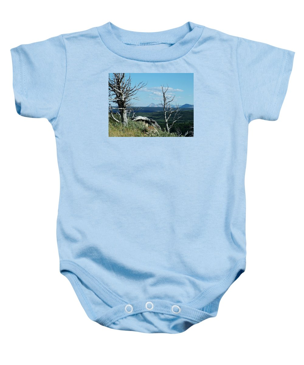 Gnarled Trees Baby Onesie featuring the photograph Gnarled Trees And Divide Mountain by Tracey Vivar