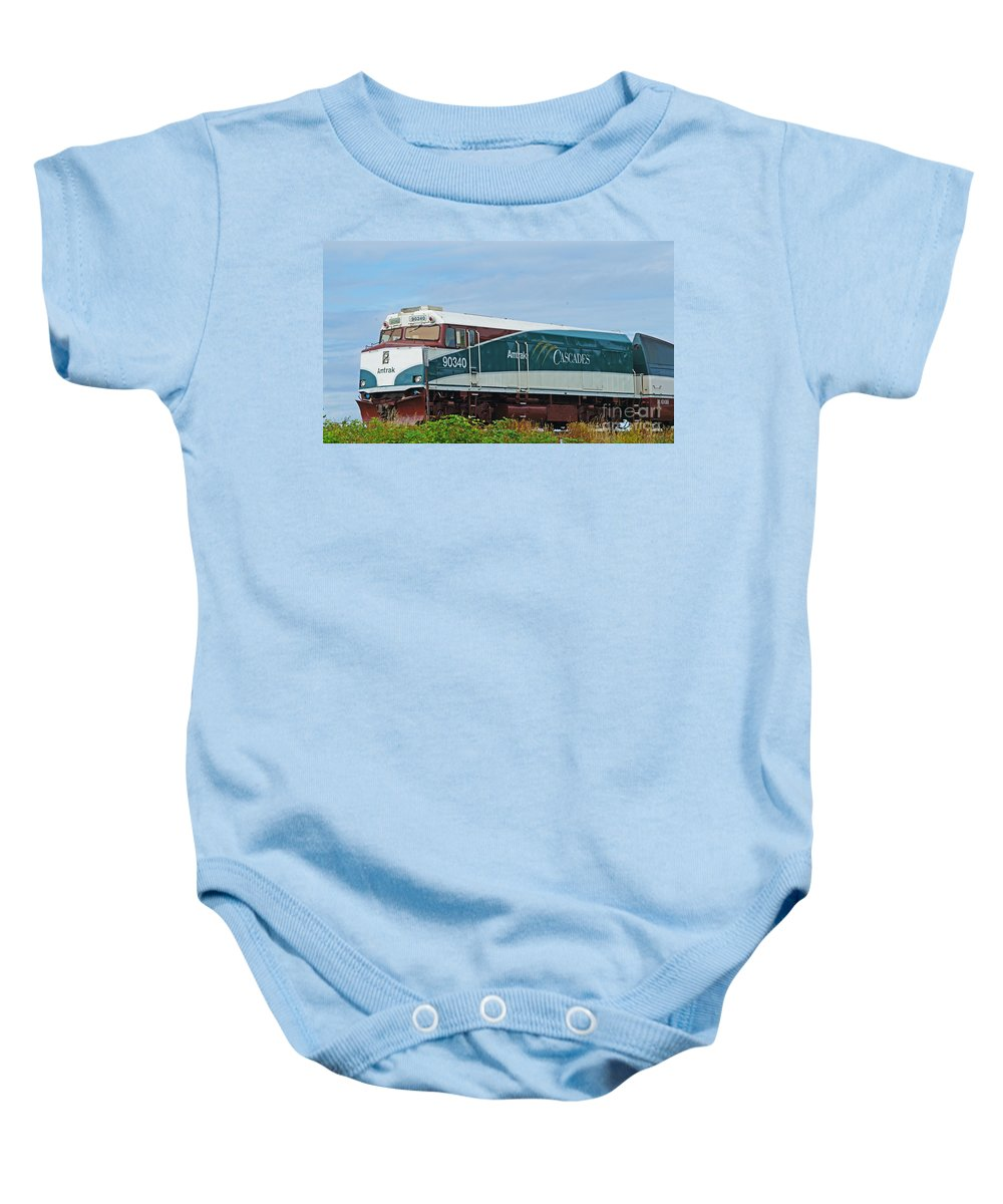 Trains Baby Onesie featuring the photograph Amtraks Cascade Engine by Randy Harris