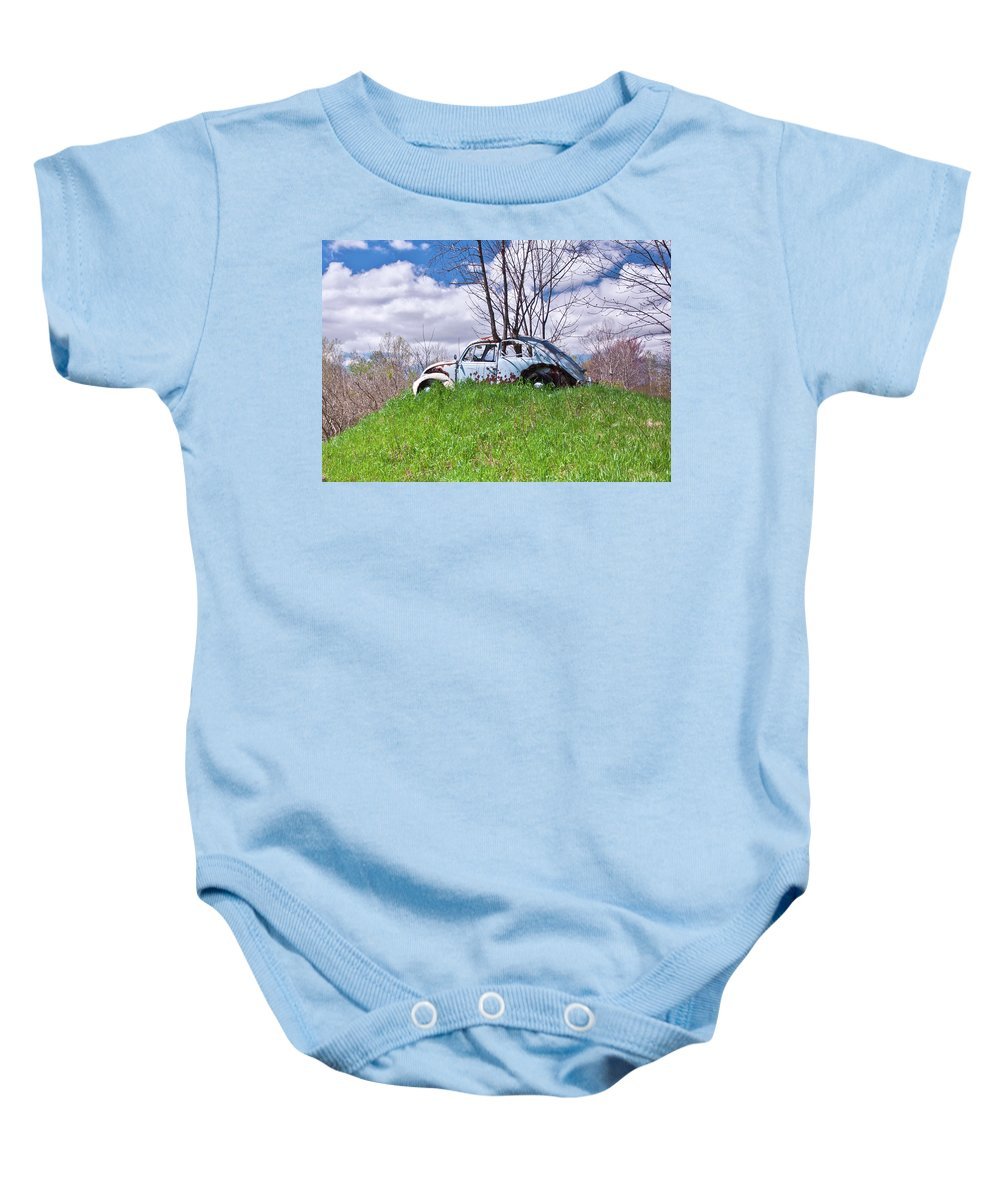 Photo Designs By Suzanne Stout Baby Onesie featuring the photograph 67 Volkswagen Beetle by Suzanne Stout