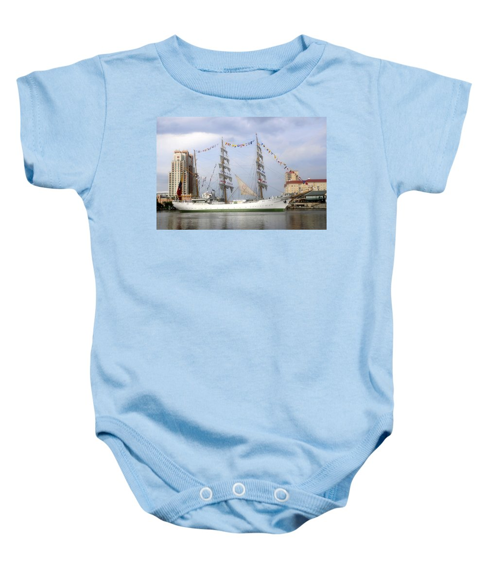 Tampa Bay Florida Baby Onesie featuring the photograph Tall Ship In Tampa Bay by David Lee Thompson