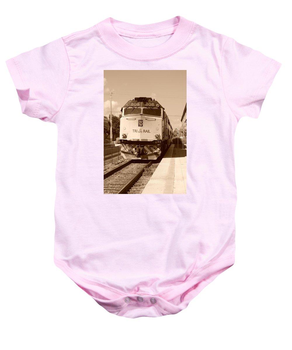 Train Baby Onesie featuring the photograph Tri Rail 808 by Rob Hans