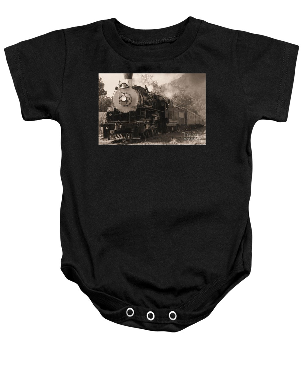 Trains Baby Onesie featuring the photograph Coming Around The Mountain by Richard Rizzo
