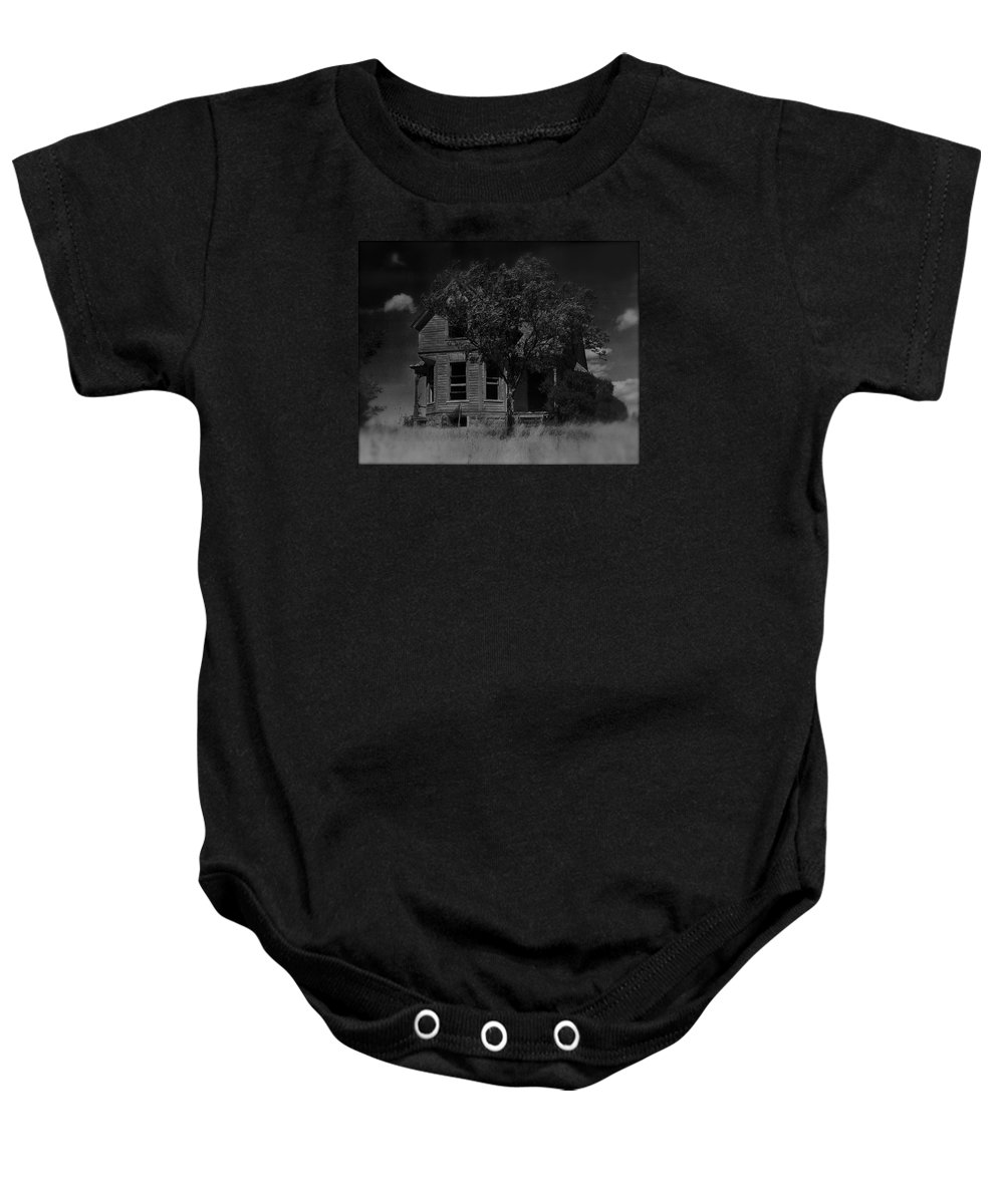Film Homage Anthony Perkins Janet Leigh Alfred Hitchcock Psycho 1960 Vacant House Black Hills Sd 1965 Baby Onesie featuring the photograph Film Homage Anthony Perkins Janet Leigh Alfred Hitchcock Psycho 1960 Vacant House Black Hills Sd '65 by David Lee Guss