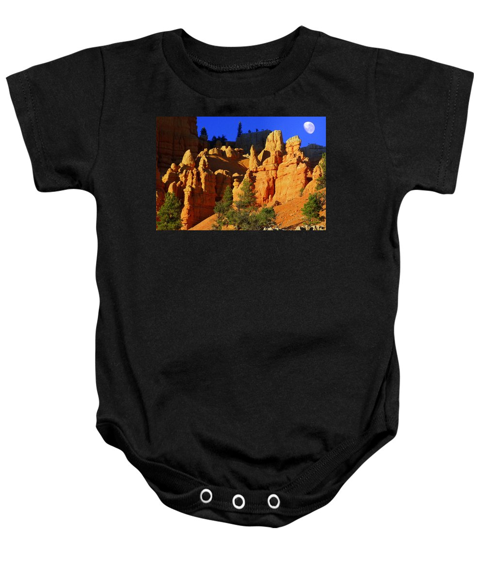 Red Rock Canyon Baby Onesie featuring the photograph Red Rock Canoyon Moonrise by Marty Koch