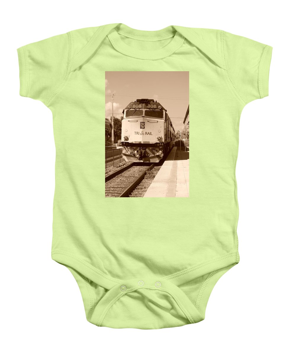 Train Baby Onesie featuring the photograph Tri Rail 808 by Rob Hans