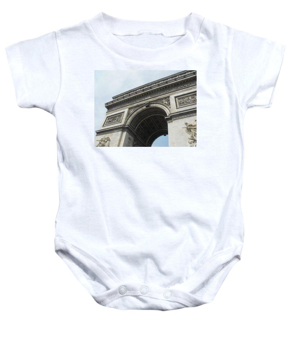 Arc De Triomphe Baby Onesie featuring the photograph Arc De Triomphe, Paris, France by Wendy Davies