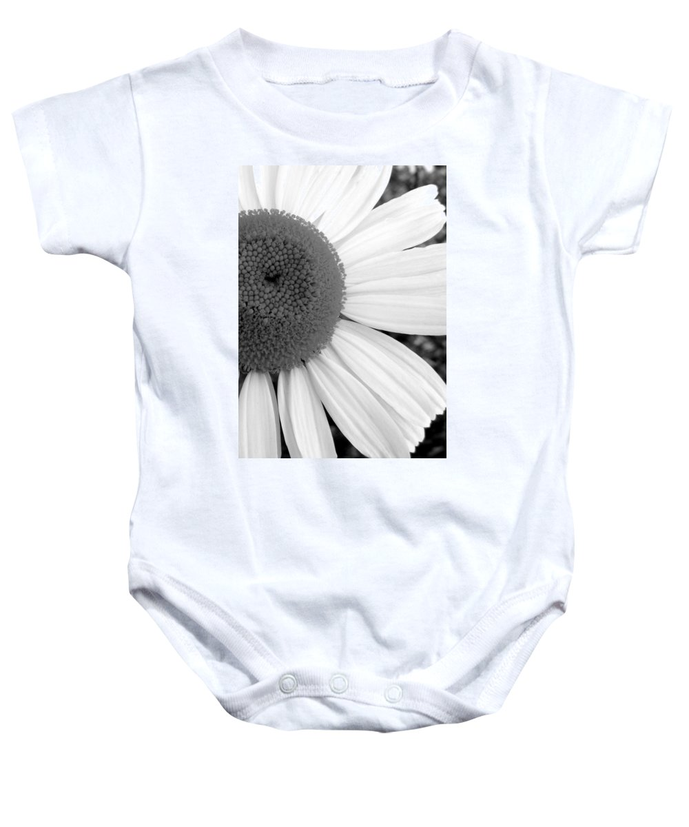 Flower Baby Onesie featuring the photograph Daisy Study 1 by Ed Smith