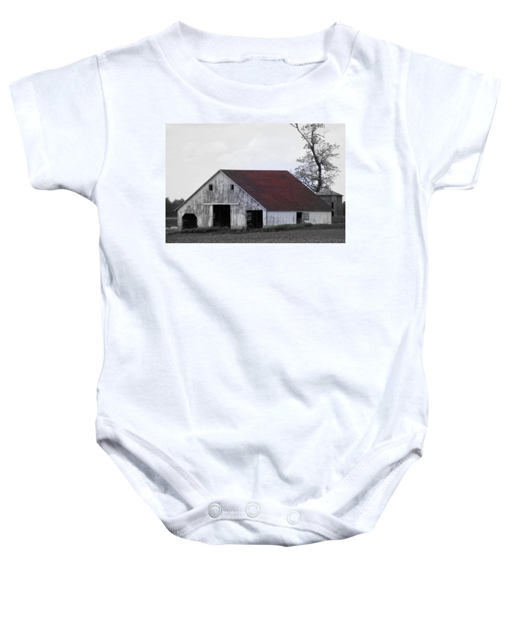 Barn Baby Onesie featuring the photograph Red Roof Barn by Ed Smith
