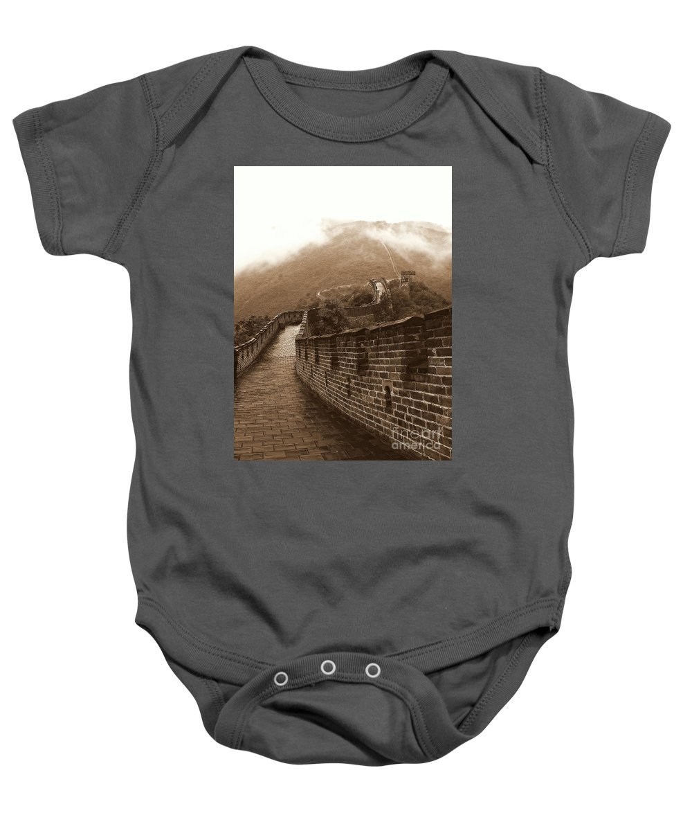 Long Wall(s) 長城 Baby Onesie featuring the photograph The Great Wall Card by Noa Yerushalmi