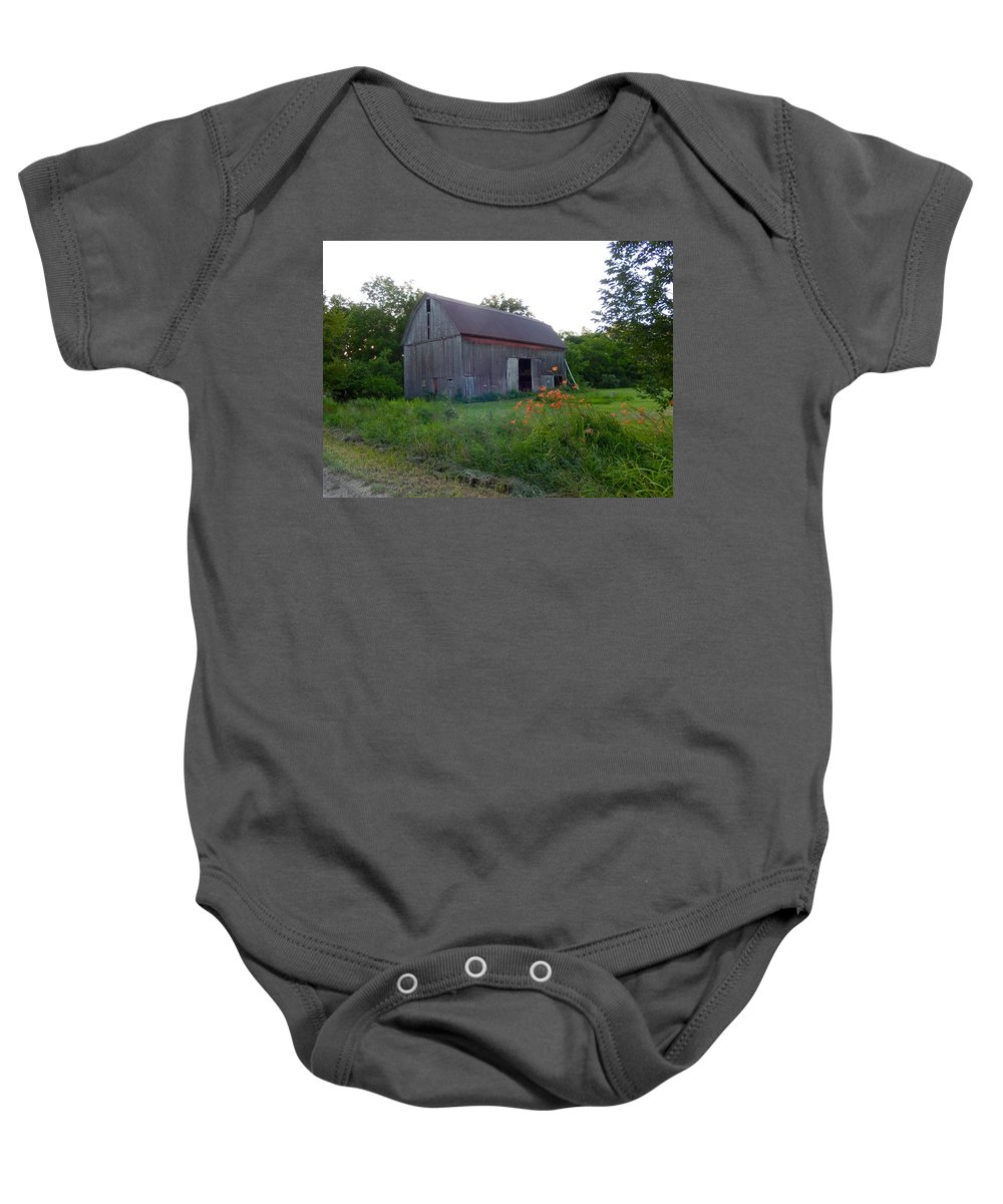 Barn Baby Onesie featuring the photograph Old Barn At Dusk by Susan Wyman
