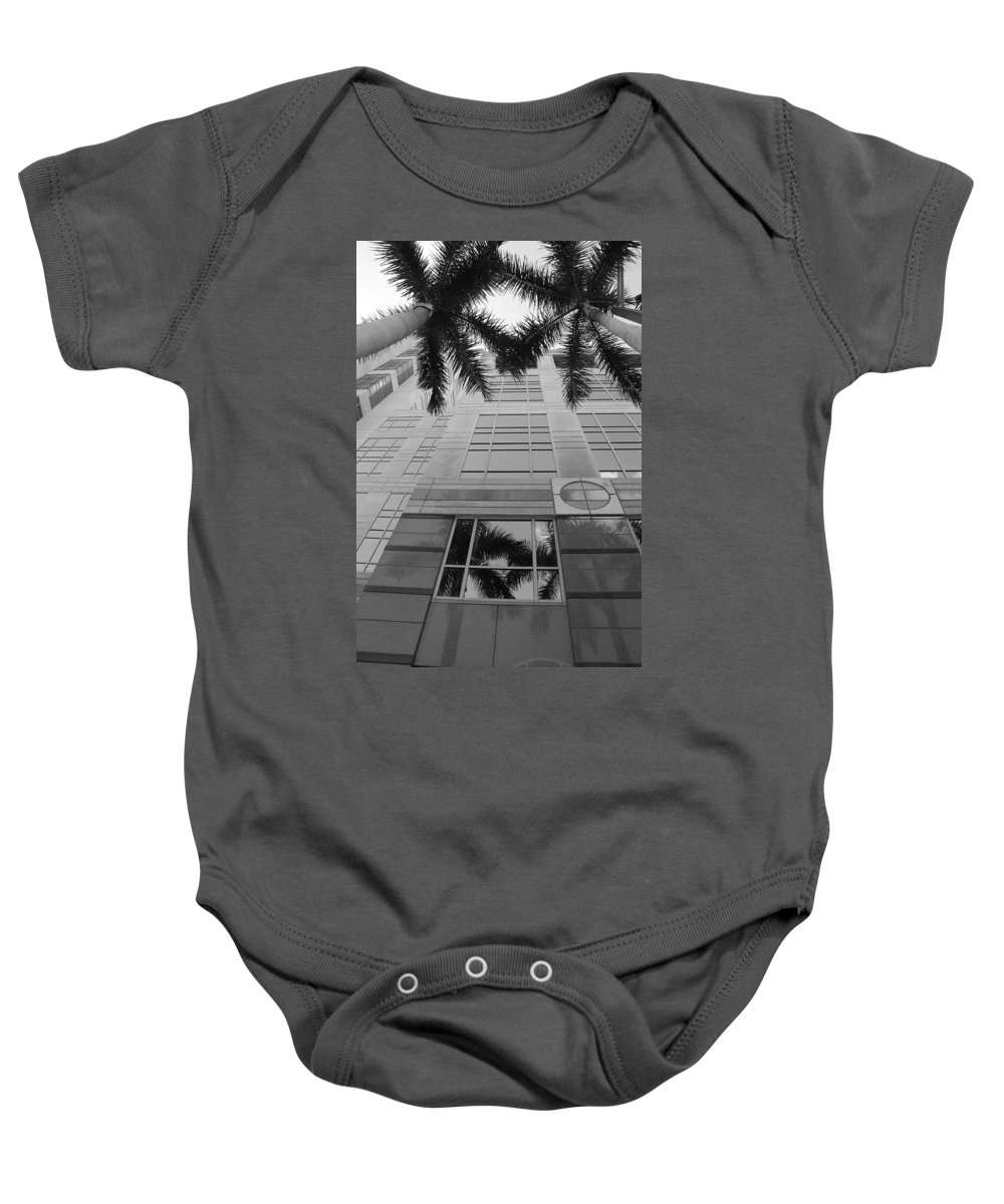 Architecture Baby Onesie featuring the photograph Reflections On The Building by Rob Hans