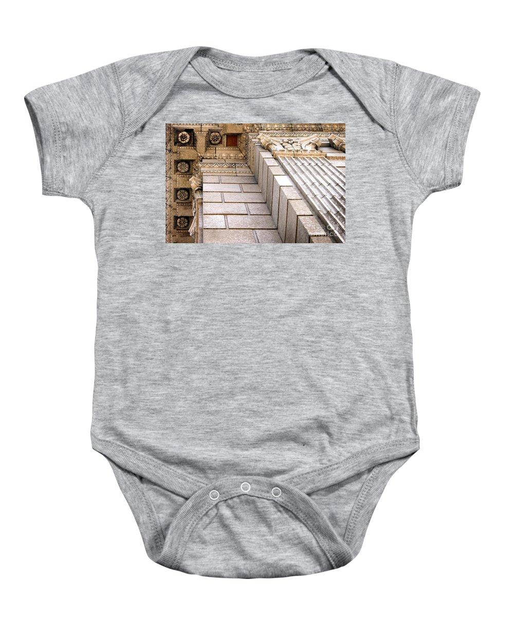 Building Baby Onesie featuring the photograph Building Corner by Henrik Lehnerer