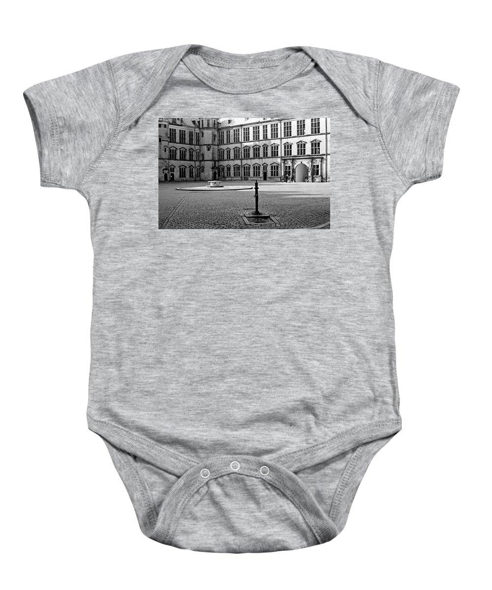 Hamlet's Castle Baby Onesie featuring the photograph Kronborg Castle Courtyard by Lee Santa