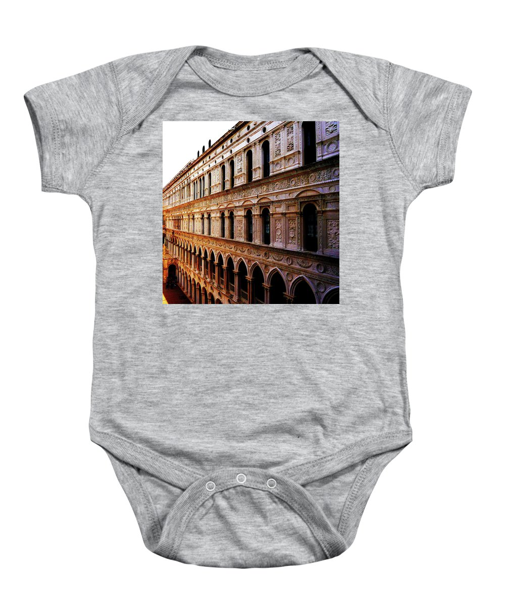 Building Baby Onesie featuring the photograph Dogen-palaste by Romaisa Hashmi