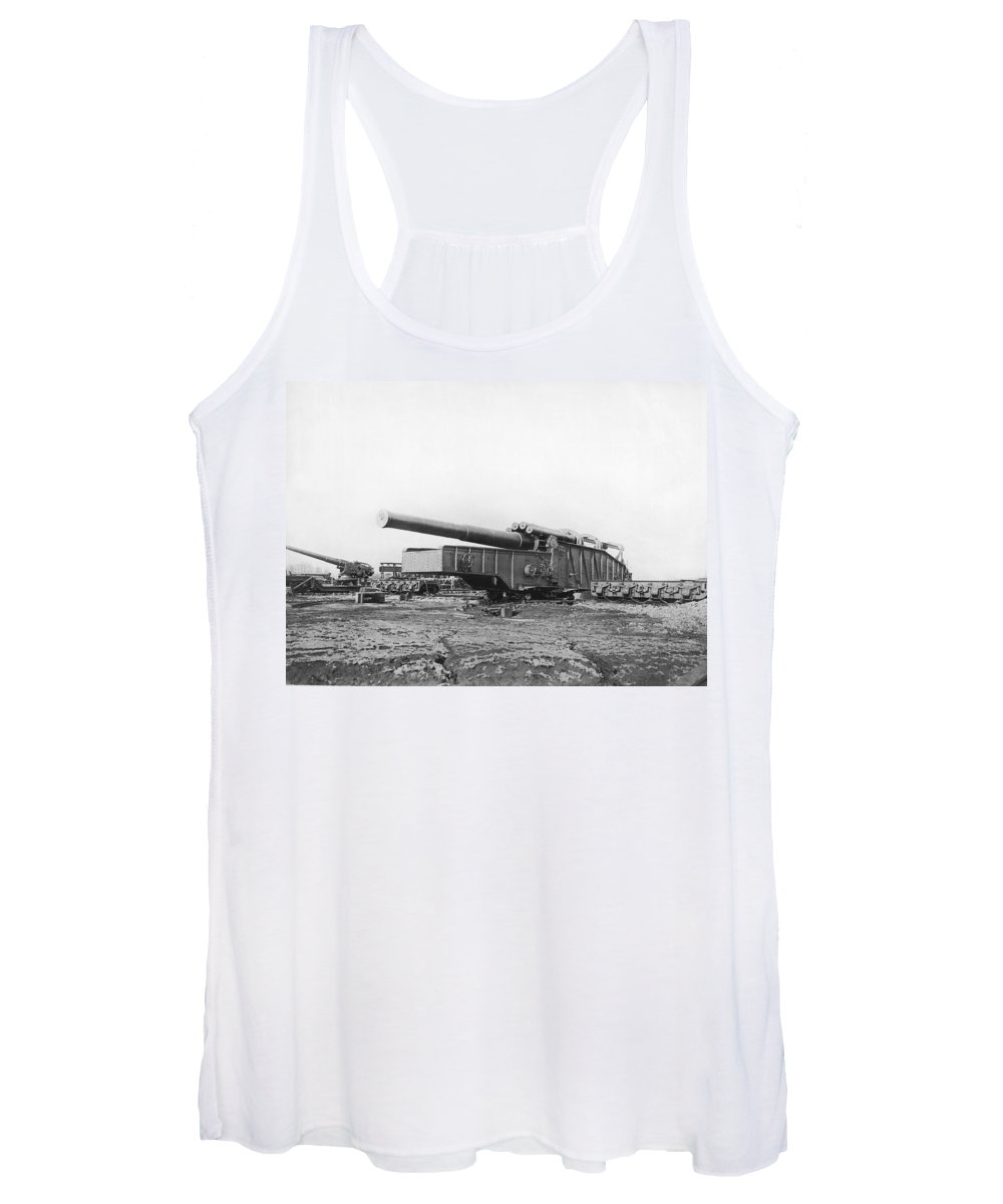 14 Inch Women's Tank Top featuring the photograph Fourteen Inch Gun by Underwood Archives