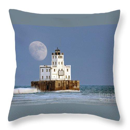 Milwaukee Throw Pillow featuring the photograph 0186 Moon Over Milwaukee Breakwater Lighthouse by Steve Sturgill
