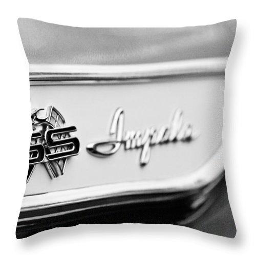1961 Chevrolet Impala Ss Emblem Throw Pillow featuring the photograph 1961 Chevrolet Impala Ss Emblem by Jill Reger
