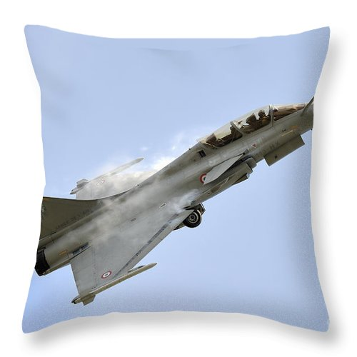Horizontal Throw Pillow featuring the photograph A Dassault Rafale Of The French Air by Remo Guidi