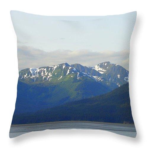 Alaska Throw Pillow featuring the photograph Alaska 15 by Lew Davis