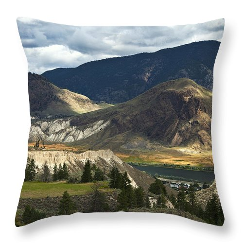 Landscape Throw Pillow featuring the photograph Along The River by Theresa Tahara