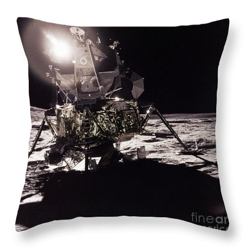 Transport Throw Pillow featuring the photograph Apollo 17 Moon Landing by Science Source