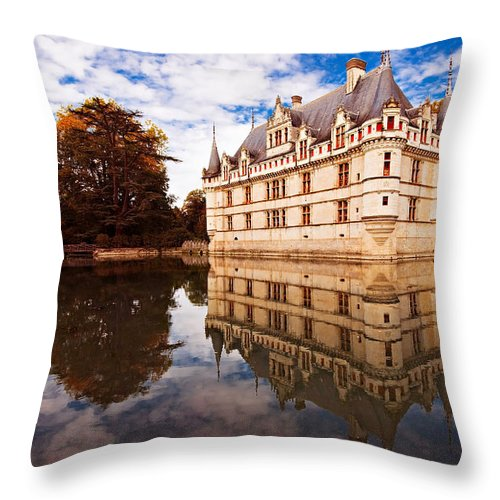 Azay Le Rideau Throw Pillow featuring the photograph Azay Le Rideau / Loire Valley by Barry O Carroll