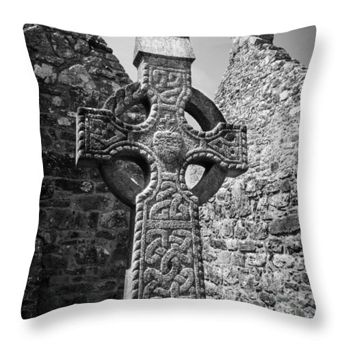 Celtic Cross Throw Pillow featuring the photograph Celtic Cross I by Jeff Kantorowski