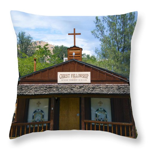 Christ Fellowship Wofford Heights Throw Pillow featuring the photograph Christ Fellowship Wofford Heights by Barbara Snyder