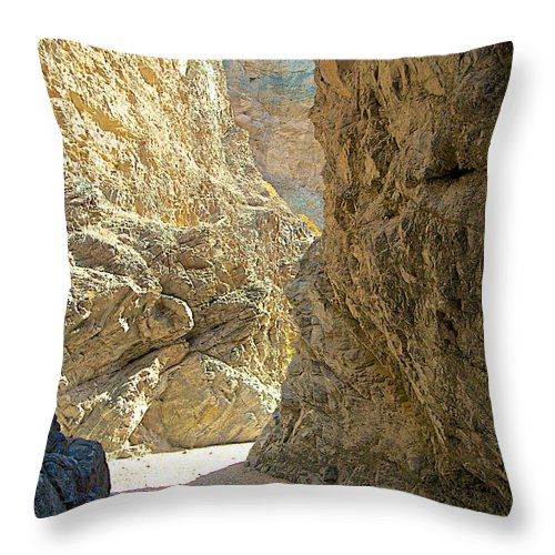 Contrasting Canyon Colors On Big Painted Canyon Trail In Mecca Hills Throw Pillow featuring the photograph Contrasting Canyon Colors In Big Painted Canyon Trail In Mecca Hills-ca by Ruth Hager