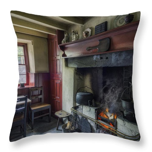 Cottage Throw Pillow featuring the photograph Cosy Cottage by Ian Mitchell