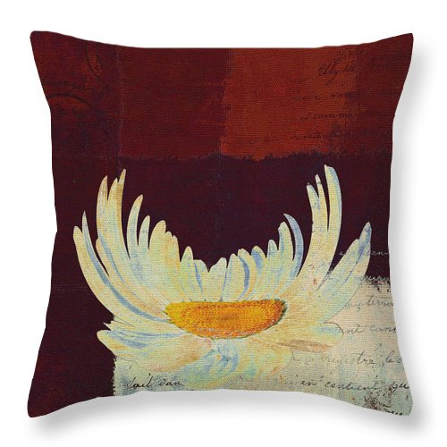 Daisy Throw Pillow featuring the digital art La Marguerite - 049143067 by Variance Collections
