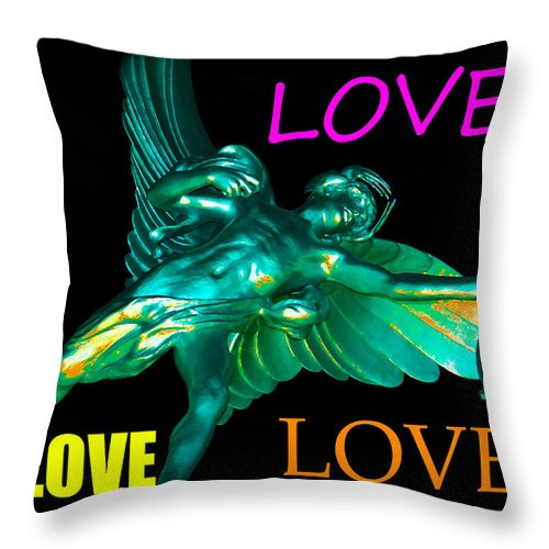 Love Throw Pillow featuring the photograph Love by David Lee Thompson