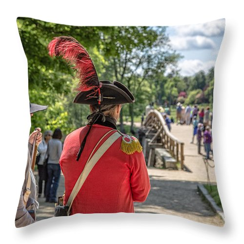 Redcoat Throw Pillow featuring the photograph Minute Man National Historical Park by Edward Fielding