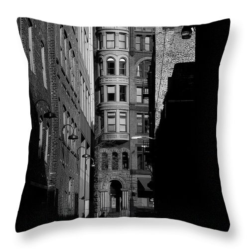 Alleyway Throw Pillow featuring the photograph Pioneer Square Alleyway by David Patterson