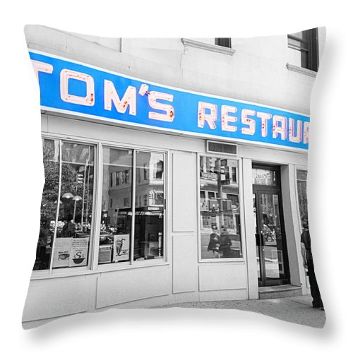 Seinfeld Throw Pillow featuring the photograph Seinfeld Diner Location by Valentino Visentini