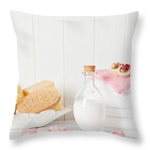 Spa Throw Pillow featuring the photograph Spa Setting by Amanda Elwell