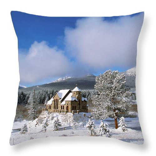 Catholic Throw Pillow featuring the photograph The Chapel On The Rock I by Eric Glaser