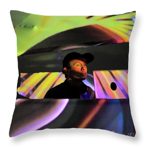 Tipper Rw2k14 Throw Pillow featuring the photograph Tipper Rw2k14 by PJQandFriends Photography