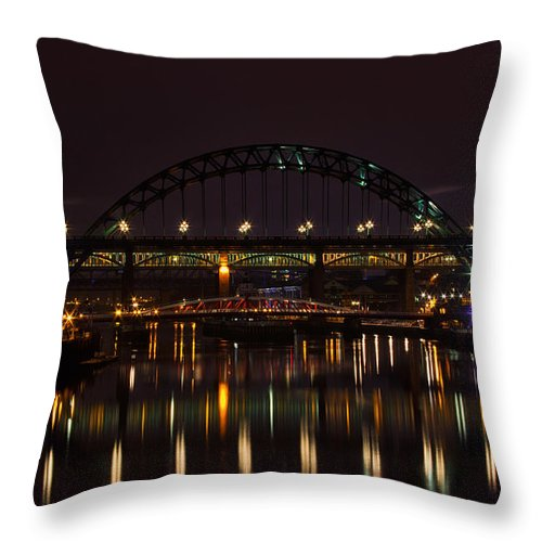 Tyne Bridge Throw Pillow featuring the photograph Tyne Bridge At Night by David Pringle