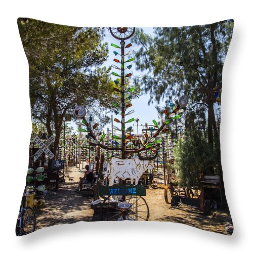 Bottleneck Ranch Throw Pillow featuring the photograph Welcome by Angus Hooper Iii