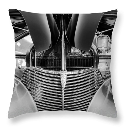 1939 Chevrolet Coupe Grille Throw Pillow featuring the photograph 1939 Chevrolet Coupe Grille -115bw by Jill Reger
